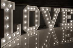 Love-bily-siroky-1